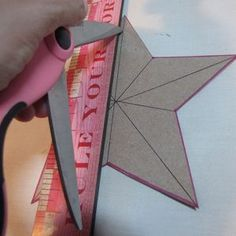 How to make a star from a cereal box Craft Projects, Projects To Try, Craft Ideas, Christmas Crafts, Xmas, 3d Star, Rustic Crafts, Wood Ideas, Old Wood