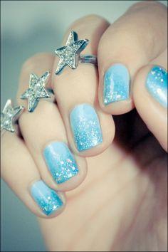 Gradient Blue Glitter Nails
