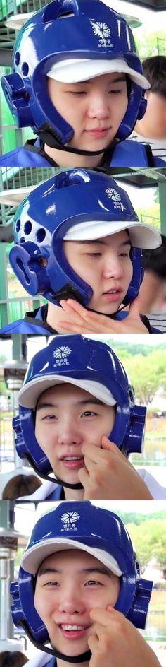 DA Fack How can Someone be so cute I wanna squish his cheeks!What DA Fack How can Someone be so cute I wanna squish his cheeks! Taehyung, Namjoon, Min Yoongi Bts, Min Suga, Seokjin, Foto Bts, Bts Photo, Bts Boys, Bts Bangtan Boy