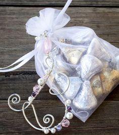 Make Beaded Monogram Wedding Favorsnull