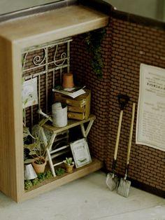 miniature* 小さな世界 : natural色の生活~handmade家具MINIATURE IN A BOOK? WHAT A GREAT IDEA