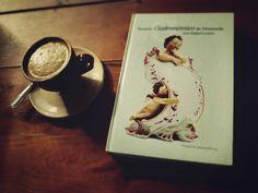 """A R O M A  D I  C A F F É  """"Una taza del mejor café  y una idílica lectura..."""". Pasión por el café pasión por #AromaDiCaffé . Abrimos los Domingos de 10 a.m. - 5 p.m. . Visítanos!  #MomentosAroma#SaboresAroma#ExperienciaAroma#Caracas#MejoresMomentos#Amistad#Café#CaféVenezolano# #Espresso #CoffeePic #CoffeeLovers #CoffeeCake #CoffeeTime #CoffeeBreak #CoffeeAddicts #CoffeeHeart #InstaPic#InstaMoments#InstaCoffee#TerceraOla#BaristaLife#Barismo#ImLovinIt Visítanos en el C.C. Metrocenter pasaje…"""