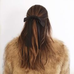 Styling hair bows for fall