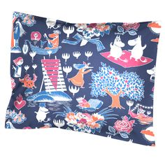 Taikamuumi pillow cover by Finlayson.