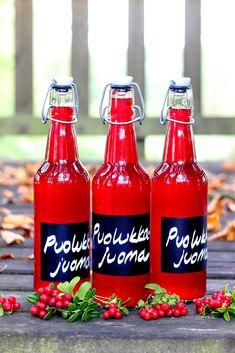 Pata porisee: Vaasan Jaakon puolukkajuoma Hot Sauce Bottles, Juice, Drinks, Smoothie, Food, Tea, Drinking, Beverages, Essen