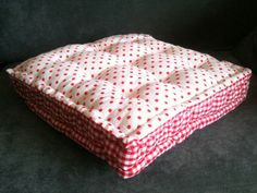Quilted floor cushion - free sewing patterns - craft - allaboutyou.com