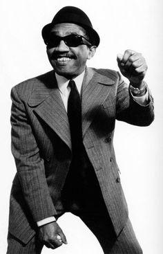 Laurel Aitken fue un cantante, conocido como uno de los creadores de la música ska jamaicana a finales de los años 50. Fue el primer cantante jamaicano en hacerse famoso en Europa