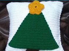 746f009d0 Crochet Christmas Tree Pillow - Fairfield World Craft Projects