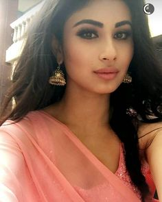 best Ideas for baby girl background outfit Indian Tv Actress, Beautiful Indian Actress, Beautiful Actresses, Indian Actresses, Indian Bollywood, Bollywood Actress, Pakistani Actress, Mauni Roy, Arjun Bijlani