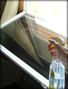 Homemade DIY Ideas for Washing windows are really helpful to keep them clean. Best DIY homemade window cleaner is helpful for outdoors and contains vinegar. Cleaning Outside Windows, Cleaning Window Tracks, Window Cleaning Tips, Diy Home Cleaning, Washing Windows, Household Cleaning Tips, House Cleaning Tips, Diy Cleaning Products, Cleaning Hacks
