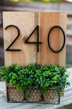Give the front of your house a face lift with these modern design street numbers! Made from anti-rust zinc alloy with a smooth black finish. Measures approximately 5 Interior Modern, Home Interior, Modern Decor, Modern Design, Home Design, Front Door Numbers, Decoration Plante, House Front, Mailbox On House