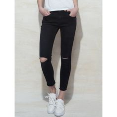 Black Plain Ripped Jeans with Raw Hem (155 BRL) ❤ liked on Polyvore featuring jeans, ripped jeans, distressed skinny jeans, torn jeans, destroyed jeans and distressing jeans