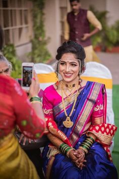 Marathi Bride, Marathi Wedding, Indian Wedding Gowns, Indian Bridal Outfits, Indian Bridal Fashion, Saree Wedding, Marathi Nath, Marathi Saree, Wedding Outfits