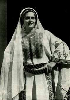 A dress from the 1900's, Palestine