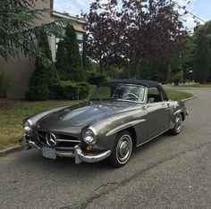 Beautiful 1960 Mercedes-Benz #190SL (pic via: Gullwing Motor Cars) / #BruceAdams190SL #190SLRestorations
