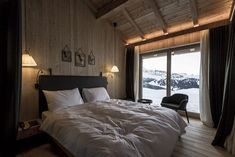View the full picture gallery of Berghaus Zallinger British Architecture, Interior Architecture, Network Architecture, Wyoming, Italian Interior Design, Cabins In The Woods, Lounge Areas, Home Bedroom, Hotels