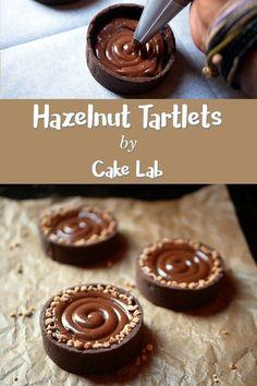 Hazelnut Tartlets (from homemade Nutella) - Cake Lab, Tart Recipes, Sweet Recipes, Dessert Recipes, Finger Food Desserts, Small Desserts, Gourmet Desserts, Mini Cakes, Cupcake Cakes, Delicious Desserts