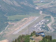 Aspen, Co: I'm sad to say that all I really got to see of Aspen was the airport. At almost 8,000 feet in altitude and only one runway, flying into Aspen is an experience. (Swift Communications - October 2006)