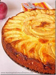 Moelleux aux pommes et à la frangipane Auteur: Samar Type de Recette: Gateau Cuisine: Francaise Ingredients pour le gâteau150 g de farine100 g de sucre100 g de beurre fondu1 yaourt nature (grec pour moi)2 oeufs battus en omelette1 sachet de levure chimiquepour la frangipane60 g de poudre d'amandes50 g de beurre mou50 g de sucre1 oeuf2 CS de rhum ambré (pas mis)2 gouttes d'extrait d'amande amère2 ou 3 pommes (type Golden), j'en ai mis trois Instructions Préparation du gâteau :Mélang...