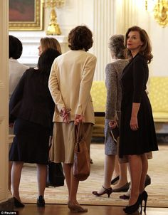 Valerie Trierweiler looking stylish on White House tour