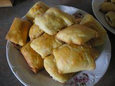 Placinta taraneasca din Ardeal - Culinar.ro Forum Spanakopita, Romania, Bread Recipes, Deserts, Pizza, Ethnic Recipes, Food, Pie, Desserts