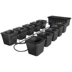 Are you thinking of starting your own hydroponics garden? When it comes to DIY hydroponics, you can afford to choose between very simple techniques and complex ones. Hydroponic Grow Systems, Indoor Hydroponics, Hydroponics System, Hydroponic Gardening, Aquaponics, Bountiful Harvest, Fish Farming, Growing Herbs, Grow Lights