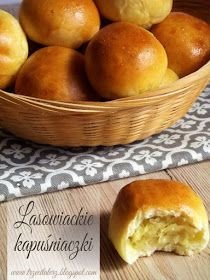 Lasowiackie kapuśniaczki - kuchnia podkarpacka Polish Recipes, Bread Rolls, Vegan Recipes, Food Porn, Food And Drink, Vegetarian, Favorite Recipes, Pizza, Dishes