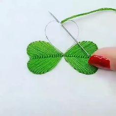 😀Quer aprender a costurar para montar sua própria marca ou simplesmente costurar suas próprias roupas ? 👚👙👗👖👕👔  #diy #costura #diycosturacriativa #diycosturafacil #diycosturapatronesgratis #diycosturavestidodebebe Hand Embroidery Patterns Flowers, Ribbon Embroidery Tutorial, Basic Embroidery Stitches, Hand Embroidery Videos, Embroidery Flowers Pattern, Simple Embroidery, Silk Ribbon Embroidery, Hand Embroidery Designs, Diy Broderie
