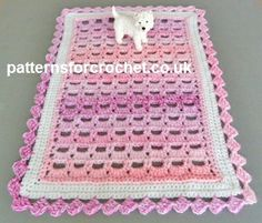 Free crochet pattern for table centre piece http://www.patternsforcrochet.co.uk/table-centre-piece-usa.html #patternsforcrochet