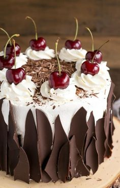 Black Forest Cake combines rich chocolate cake layers with fresh cherries, . -This Black Forest Cake combines rich chocolate cake layers with fresh cherries, . Food Cakes, Cupcake Cakes, Black Forest Cherry Cake, Galette Des Rois Recipe, Rodjendanske Torte, Cake Recipes, Dessert Recipes, Top Recipes, Healthy Recipes