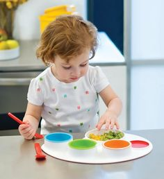 The fun and colourful Palette Plate from Skip Hop is a feeding set that is perfect for finger foods and is bound to make mealtimes a fun and interesting affair for mums, babies and toddlers! The drop-in containers can be used to store leftovers!  #bpafree Educational Toys For Kids, Kids Meals, Dinners For Kids, Toddler Boys, Baby Kids, Toddler Outfits, Kids Outfits, Kids Plates, Baby Weaning