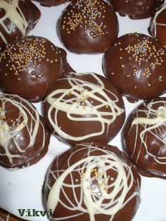 Caramel Apples, Sweets, Drinks, Cake, Food, Drinking, Beverages, Gummi Candy, Candy