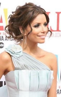 If I have a nickel for every time someone wanted this hair for prom,bridesmaid and bride 'do, I'd be so rich!!!