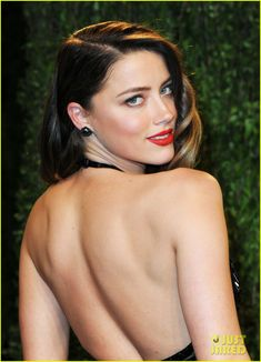 Amber Heard She next starred in The Joneses and And Soon the Darkness, John Carpenter's The Ward, alongside Nicolas Cage in Drive Angry, and alongside Johnny Depp in The Rum Diary. Sexy Poses, Amber Rose Height, Amber Heard Sexy, Amber Rose Pictures, Amber Rose Photo, Kimberly Mcdonald, Glam Girl, Vanity Fair Oscar Party, Celebs