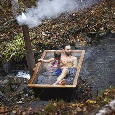 Sotiga Grytan - a wood fired hot tub from Hikki. Sturdy, elegant and durable Outdoor Bathtub, Outdoor Bathrooms, Outdoor Sauna, Hot Tub Backyard, Saunas, Sauna Design, Natural Swimming Pools, Tiny House Cabin, Cabins In The Woods