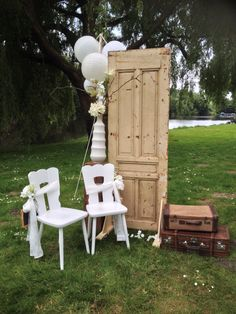 Photoshoot@the park. Vintage shabby chic ceremony styling. Design and styling by Vibrage weddings styled by Rich Art Design.