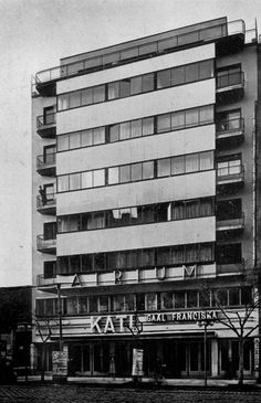 Kozma Lajos, Bp. II. Margit Körút 15-17, Átrium mozi és bérház Bauhaus, Old Pictures, Old Photos, Art Nouveau, Art Deco, Budapest Hungary, Atrium, Historical Photos, Multi Story Building