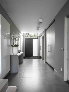 Traumhaus inneneinrichtung modern  schiebetur-kuche-wohnzimmer-weiss-furnier-modern-minimalistisch ...