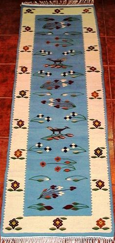 Handmade romanian traditional rug runner - Covor romanesc traditional lucrat manual - Canada House Decorations, Traditional Rugs, Kilims, Romania, Rug Runner, Folk, Canada, Costume, Patterns
