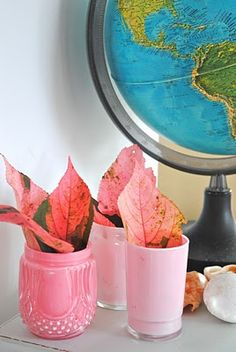 Painting Glass Jars - - http://beachvintage.blogspot.com/2011/02/project-day-painting-glass-jars.html