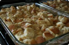 French Toast Casserole-looks simple Breakfast Egg Casserole, French Toast Casserole, Breakfast Recipes, Breakfast Ideas, Great Recipes, Favorite Recipes, Good Food, Yummy Food, Pinterest Recipes