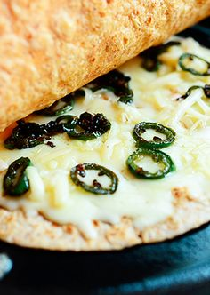Monterey Jack and Fresh Jalapeno Quesadillas.So Simple and So Easy from The Pioneer Woman! The Pioneer Woman, Pioneer Women, Mexican Dishes, Mexican Food Recipes, Vegetarian Recipes, Savoury Recipes, Ree Drummond, Appetizer Recipes, Dinner Recipes