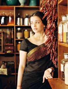 Aishwarya Rai Movies, Aishwarya Rai Images, Actress Aishwarya Rai, Aishwarya Rai Bachchan, Bollywood Actress Hot, Beautiful Bollywood Actress, Most Beautiful Indian Actress, Adriana Lima Lingerie, Western Dresses For Girl