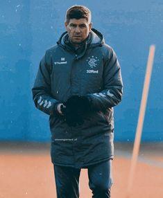 Steven Gerrard Brazil (@stevengerrard_cf) • Fotky a videá na Instagrame Steven Gerrard, Brazil, Athletic, Jackets, Fashion, Athlete, La Mode, Deporte, Fashion Illustrations