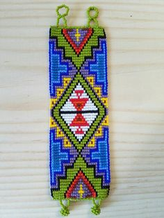 Pulsera de abalorios con cuentas pulsera pulsera Tribal Bead Loom Designs, Beadwork Designs, Bead Loom Patterns, Beading Patterns, Tribal Bracelets, Bead Loom Bracelets, Beaded Bracelet Patterns, Beaded Cuff Bracelet, Indian Beadwork