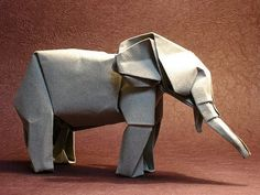 Origami art is one of the ancient art forms that deal with making of different geometric shapes and shapes of different things using paper. Origami And Kirigami, Origami Paper Art, Origami Folding, Paper Folding, Paper Crafts, Oragami, Origami Elephant, Elephant Art, African Elephant