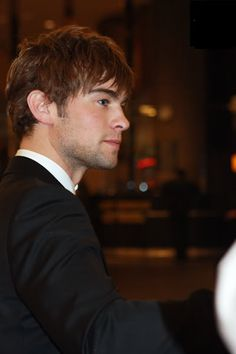 Chace Crawford Hairstyle | Cool Men's Hairstyles Pictures & Styling Tips