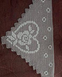 Kitchen Decor - Home creative ideas Crochet Stitches Patterns, Baby Knitting Patterns, Knitting Stitches, Stitch Patterns, Crochet Squares, Crochet Doilies, Crochet Lace, Filet Crochet, Crochet Toddler Dress