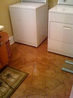 Brown Paper Floor {Southern Grace} my new neighbors did this and it looks awesome!