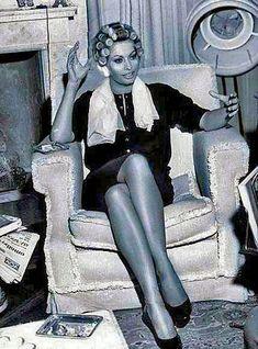 Sophia is an angel Sleep In Hair Rollers, Cute Braces, 1960s Hair, Roller Set, High Roller, Smoking Ladies, Iconic Movies, Sophia Loren, Bad Hair Day